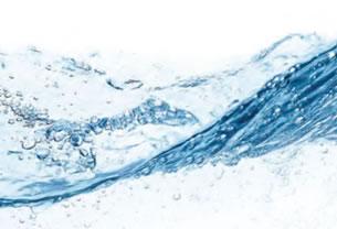 40℃に温めた天然水で丁寧に洗浄
